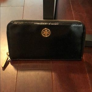 Tory Burch Robinson parent leather wallet